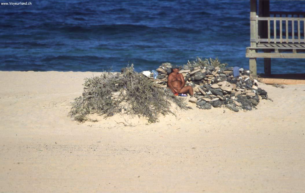 swinger am strand erotische erlebnisse in der sauna
