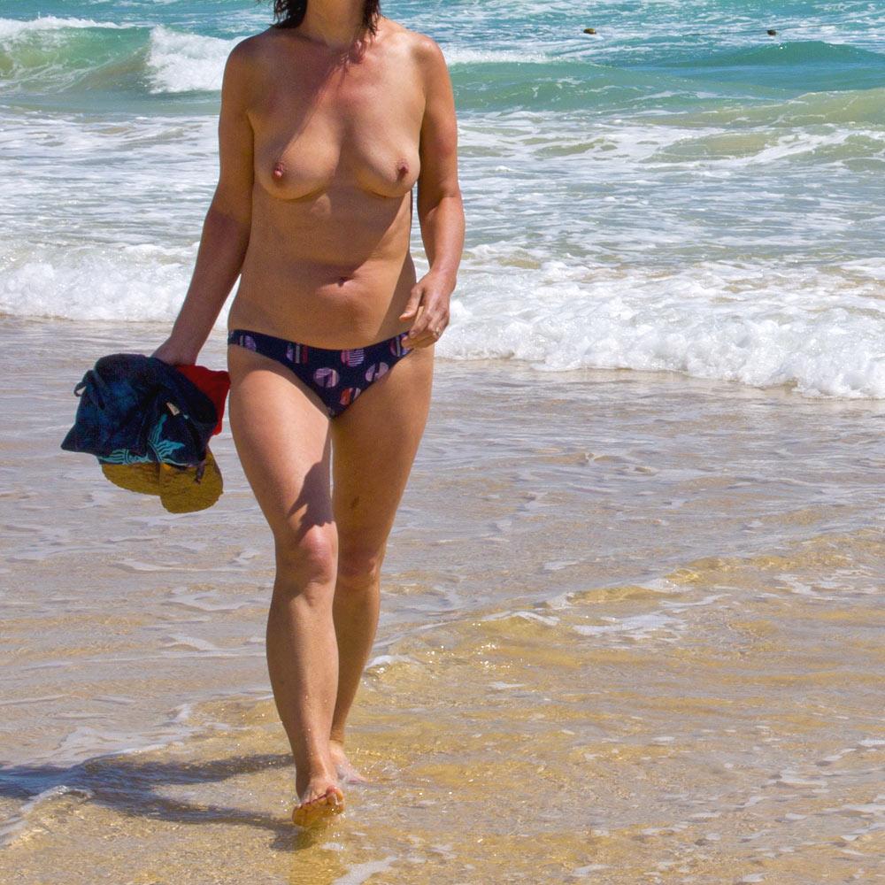 Voyeur at the beach fantastic wet pussy - 65 part 5