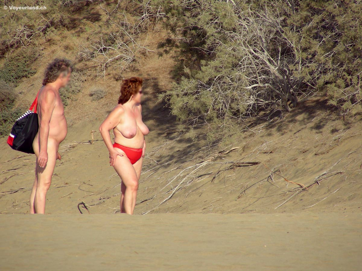 nude latina lesbian