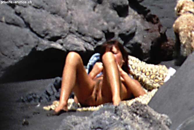Voyeur on the beach 11 sexy nude body 10